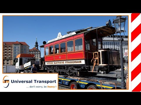 Universal Transport - Transport of a historic tramway