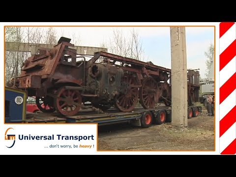 Universal Transport - Transport of a steam locomotive