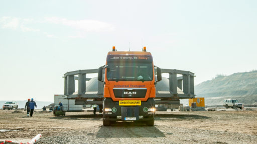 Tagebauequipment auf unserem LKW